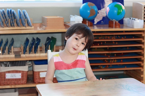 Dạy con thông minh với phương pháp Montessori