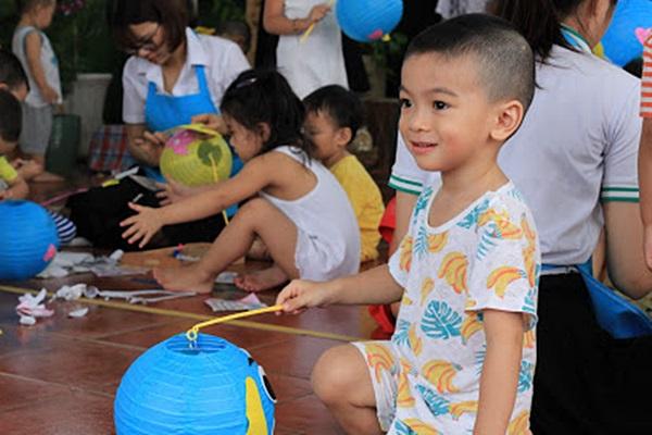 Các bậc phụ huynh nên chọn phương pháp giáo dục sớm nào cho trẻ?