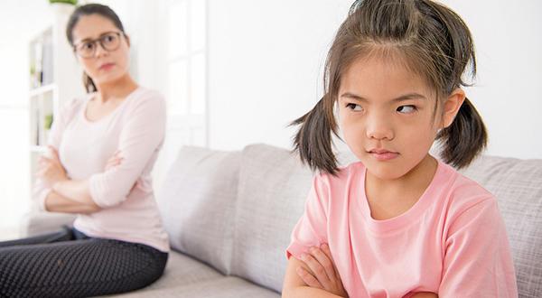 Trẻ hay nói trống không với người lớn