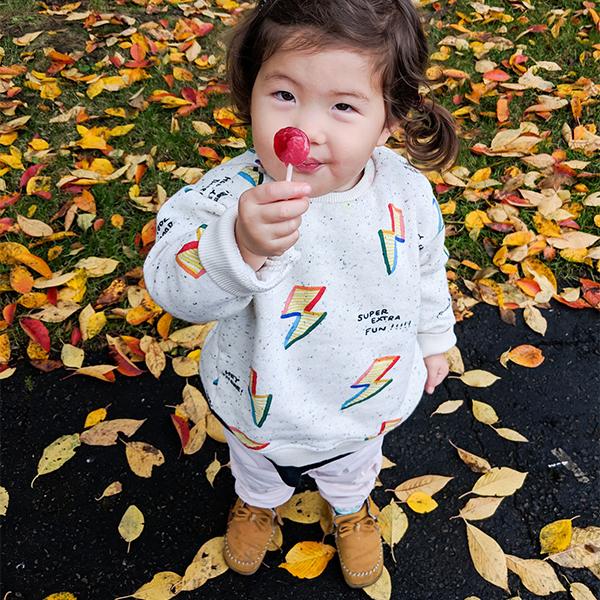 Cùng bé tham gia các hoạt động ngoài trời