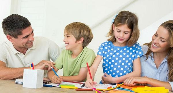 Dành thời gian bên con - Giúp trẻ phát triển, thông minh và tự lập