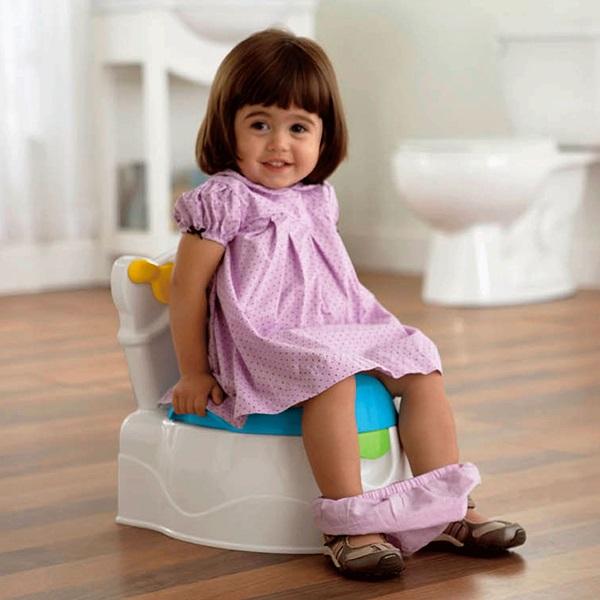 Cha mẹ nên tập cho bé thói quen đi vệ sinh hằng ngày từ sớm