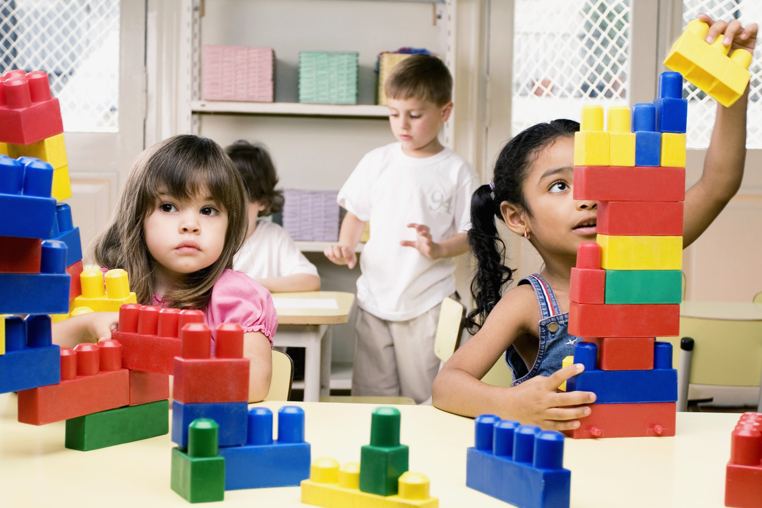 Những loại đồ chơi xếp hình giúp phát huy trí tưởng tượng cho bé